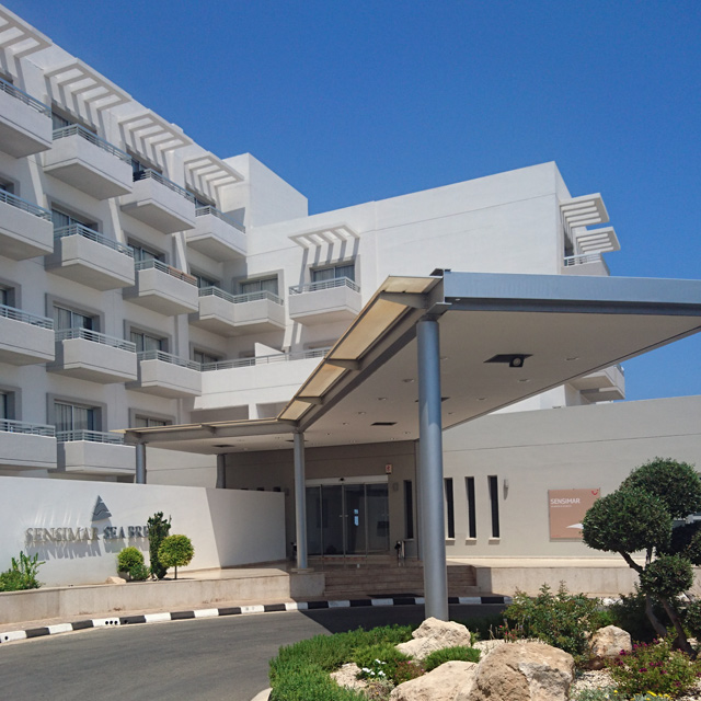 kypros-hotelli-01